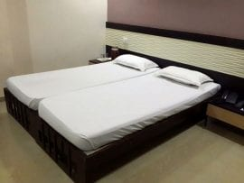 Separate Single Bed Deluxe Room